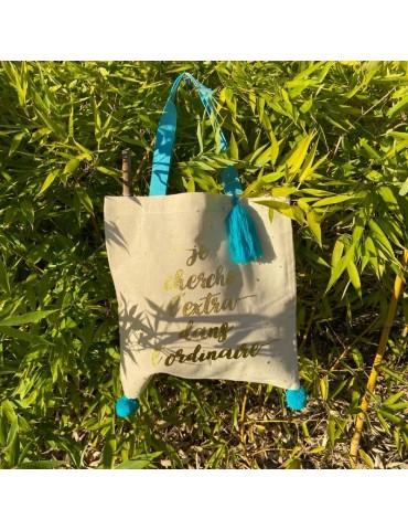 """Tote bag pompons bleu """"Je cherche l'extra dans l'ordinaire"""" 37 x 37,5cm TOTC12L01Kiub"""