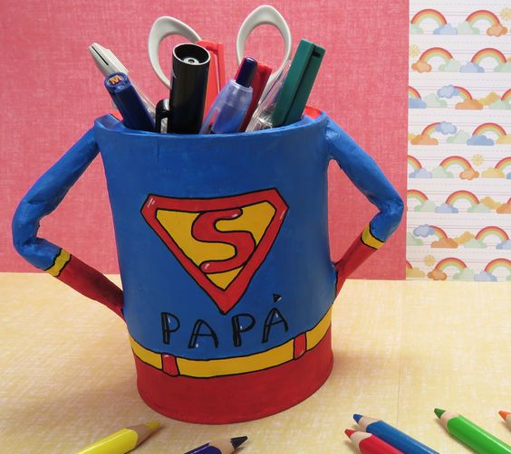 pot a crayons super papa
