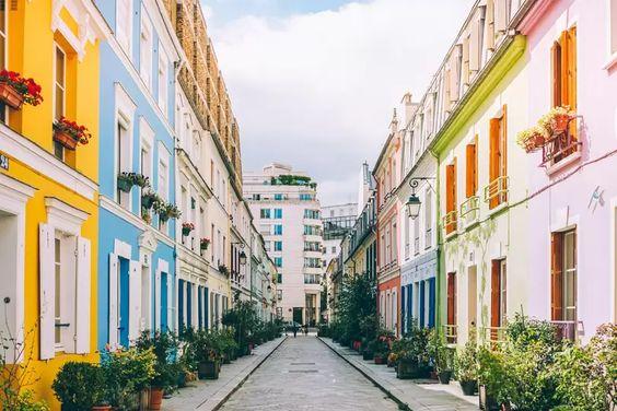 Paris rue Crémieux
