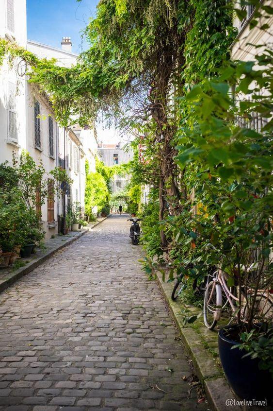 Paris rue des Thermopyles