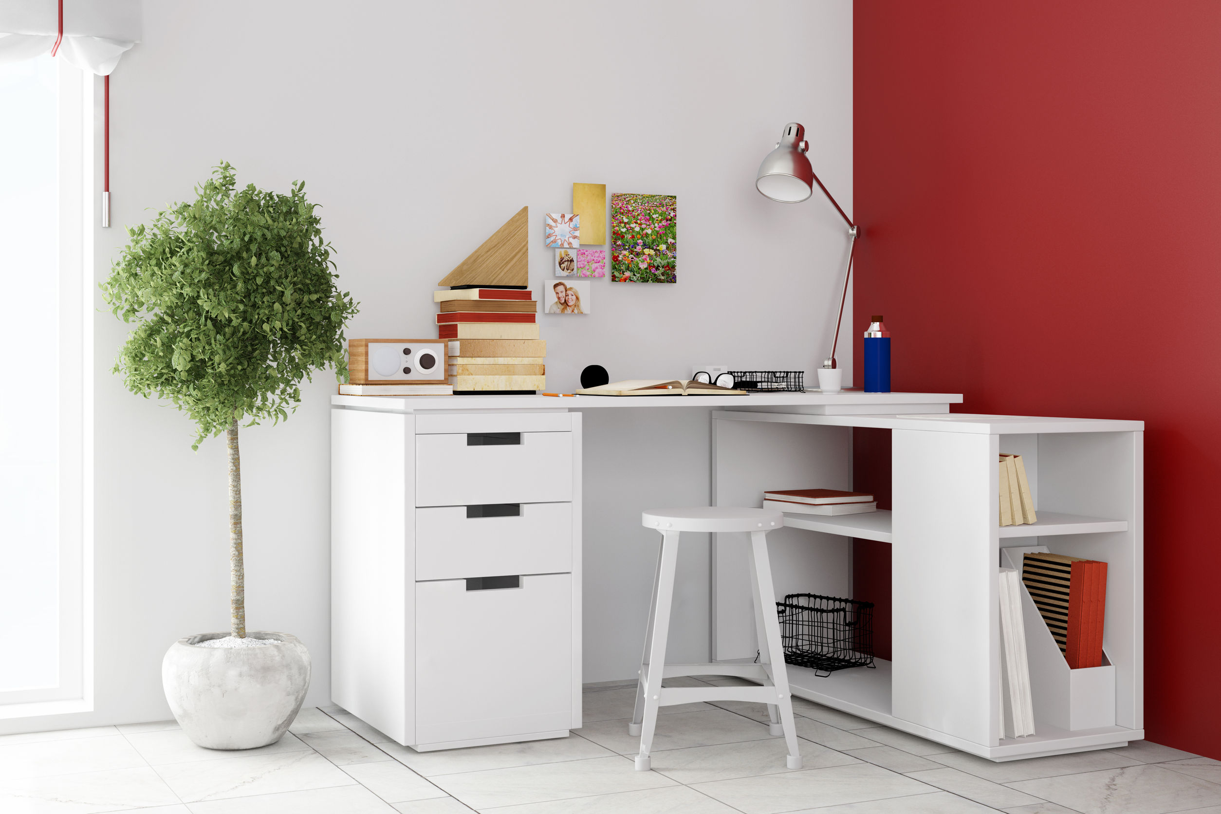 bureau dangle mur rouge