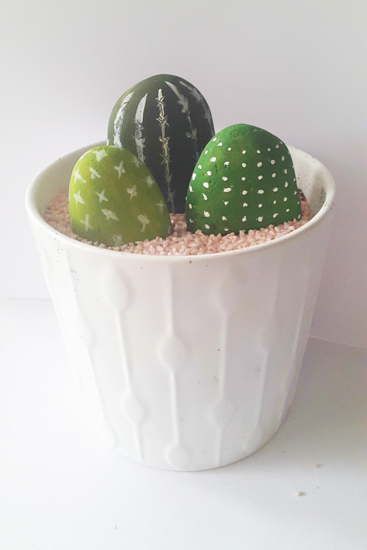 Faire Un Tableau Avec Des Galets comment creer de jolis cactus avec des galets. le mag-visiondeco