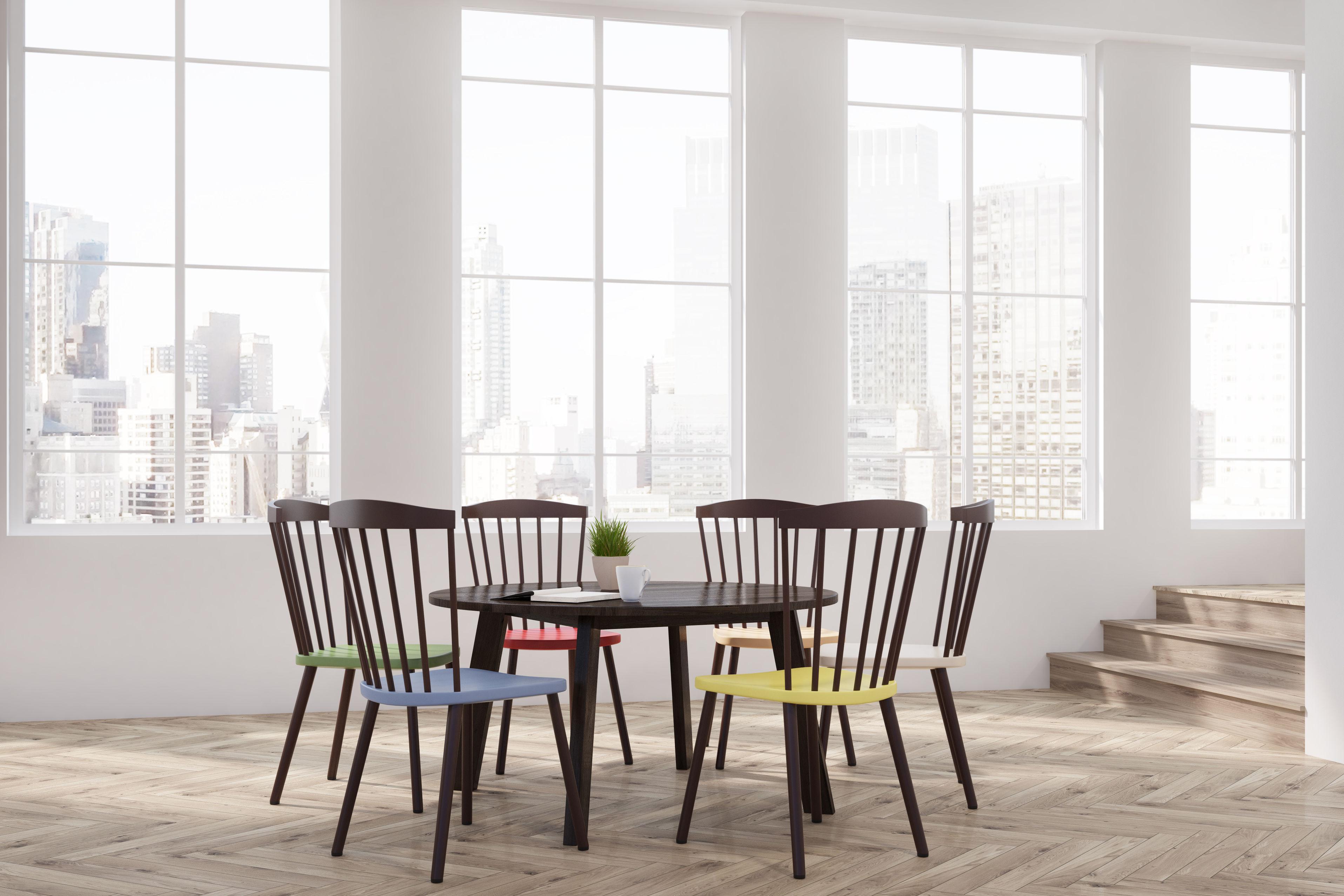comment d�pareiller vos chaises pour �tre tendance. le mag