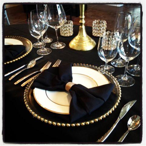 décoration de table noir et dorée