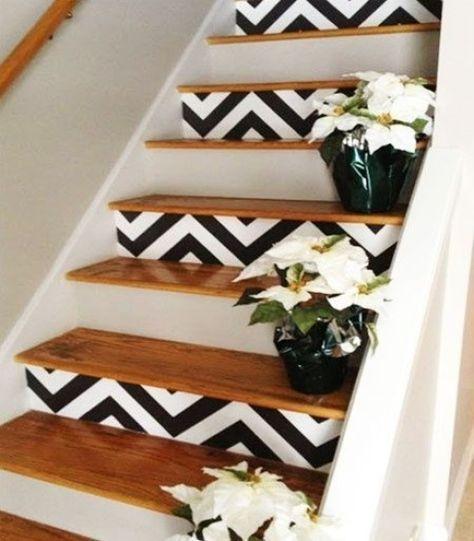 escalier contremarches noir et blanc peint