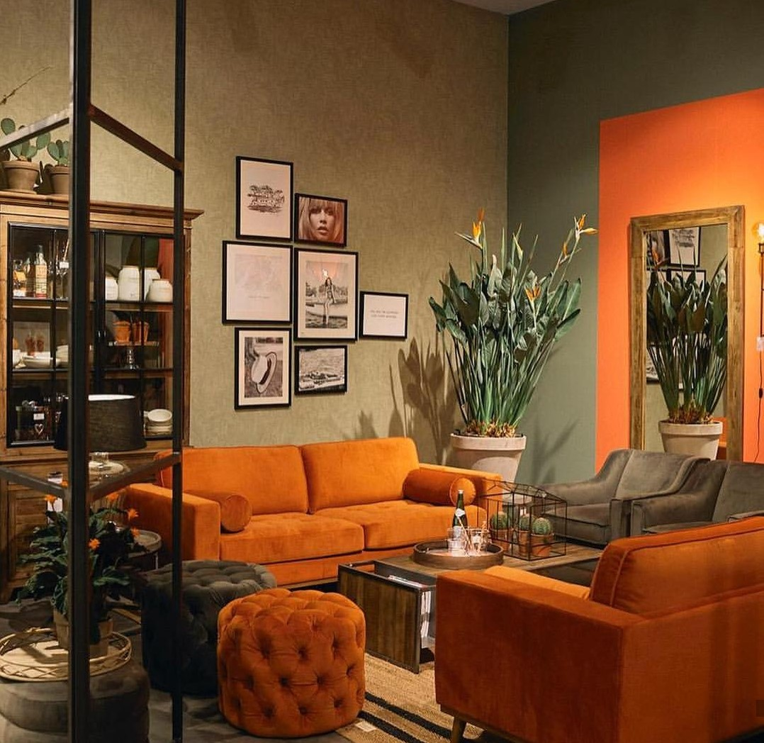 salon orange et taupe