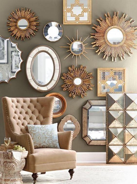 accumulation de miroirs aux formes différentes
