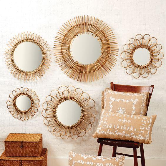 accumulation miroirs en rotin